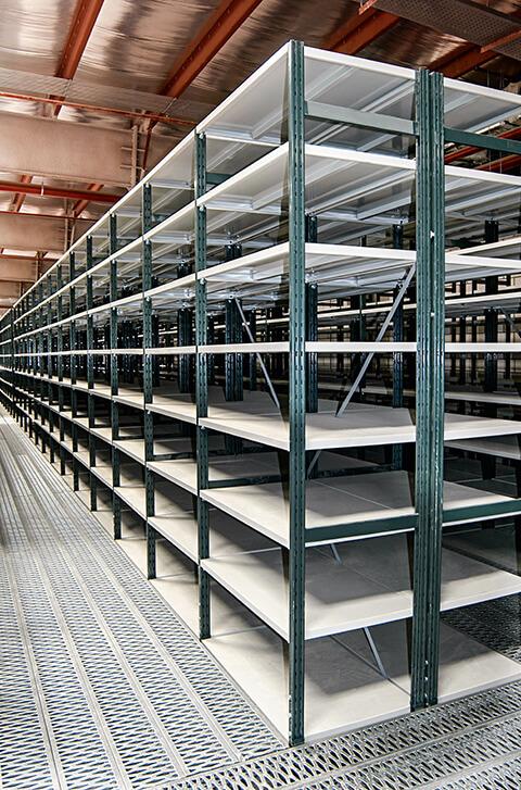 Scaffalature Industriali Biella.Scaffali Per Magazzino Come Sceglierli Rosss